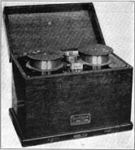 Telegraphone_wire_recorder_1922